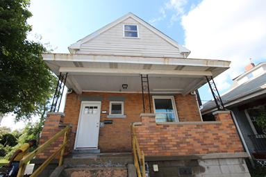 LUXURY 3 BEDROOM 2.5 BATH WITH GARAGE NEAR DOWNTOWN PITTSBURGH