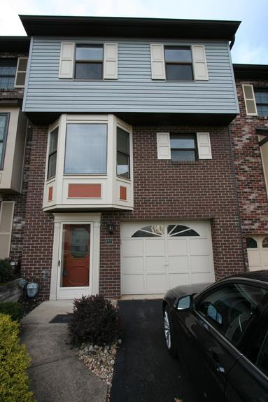 TWO BEDROOM TOWNHOUSE WITH GARAGE FOR RENT MONROEVILLE PA