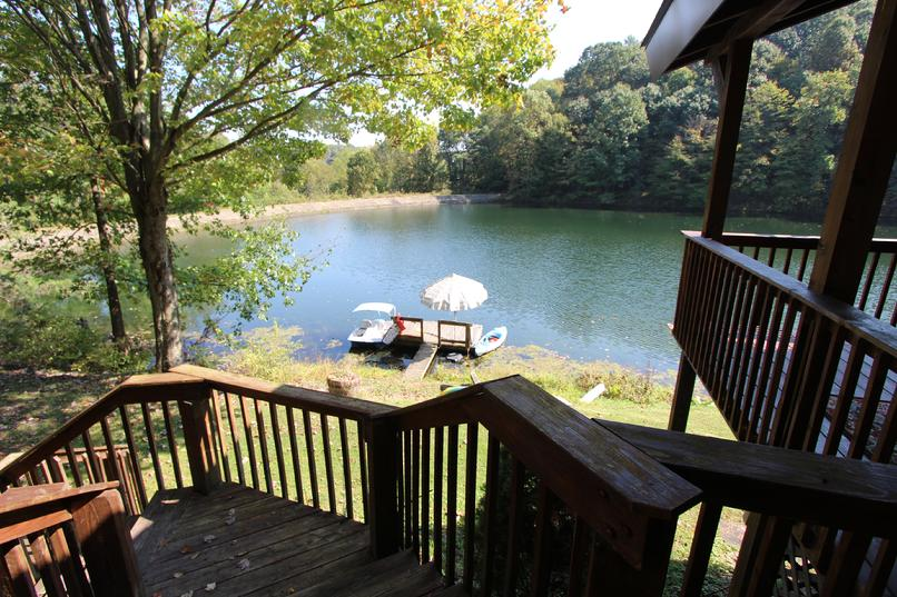 PRIVATE LAKE FRONT HOUSE FOR RENT NEAR PITTSBURGH PA