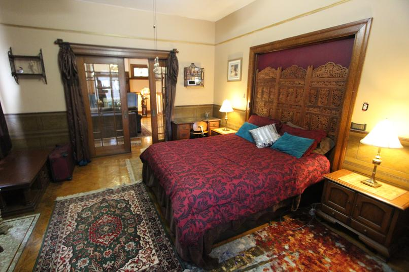 LUXURY FURNISHED LARGE 1 BEDROOM APARTMENT IN 1920'S ERA MANSION HOUSE PITTSBURGH PA