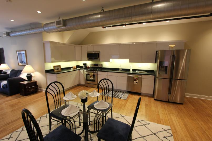 LUXURY FURNISHED 2 BEDROOM APARTMENT DOWNTOWN PITTSBURGH