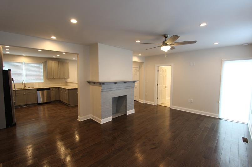 LUXURY 2 BEDROOM APARTMENT FOR RENT IN SEWICKLEY VILLAGE NEAR HOSPITAL AND YMCA