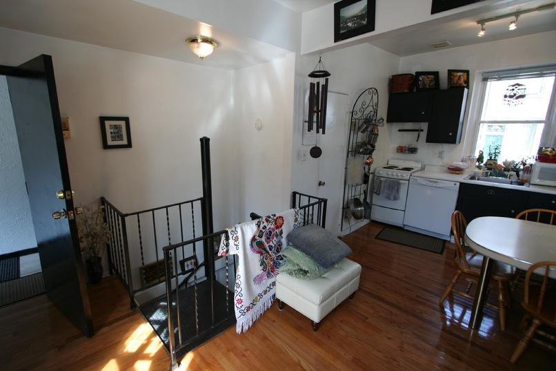 SHADYSIDE APARTMENT FOR RENT